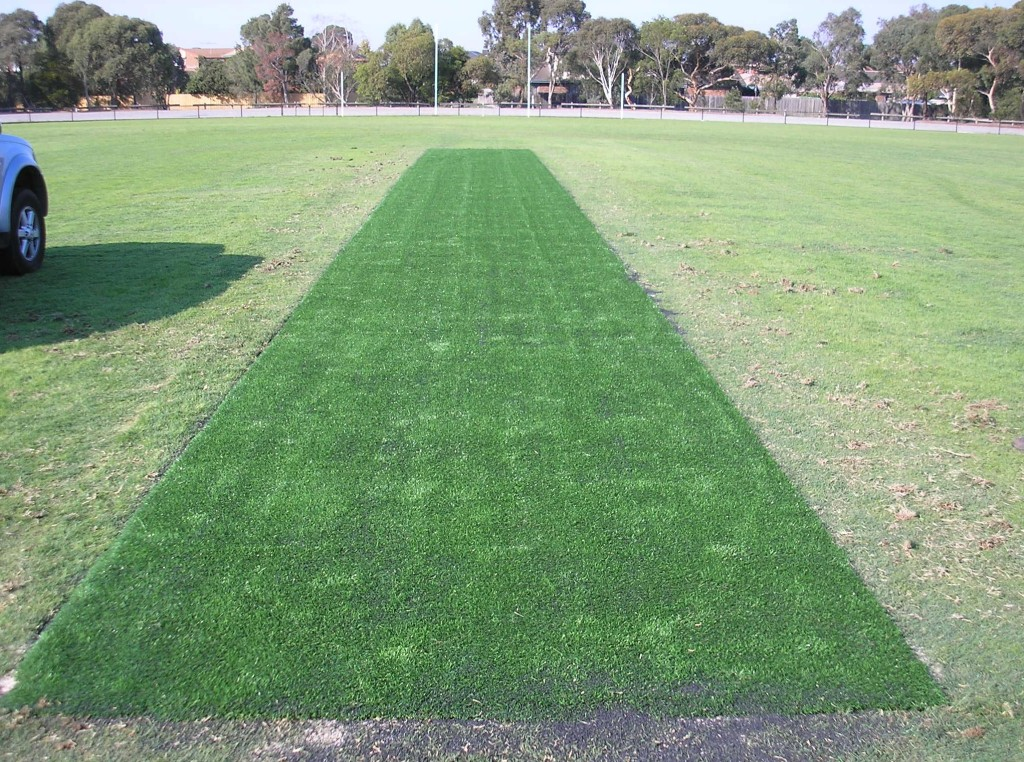 Gecko Cricket Pitch Cover
