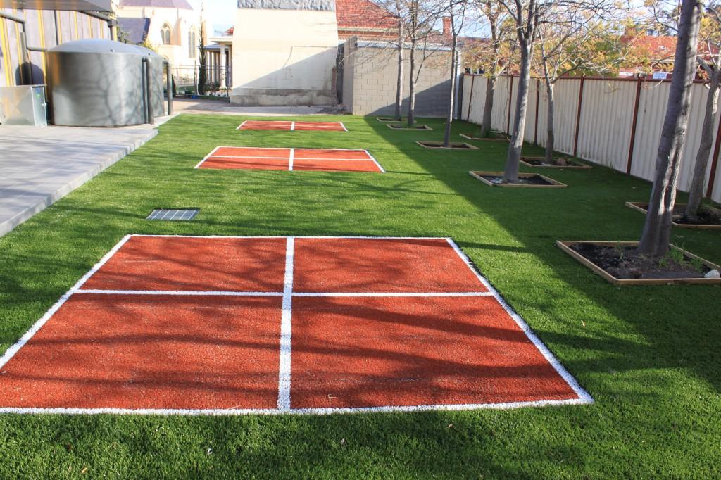 4 Square Courts