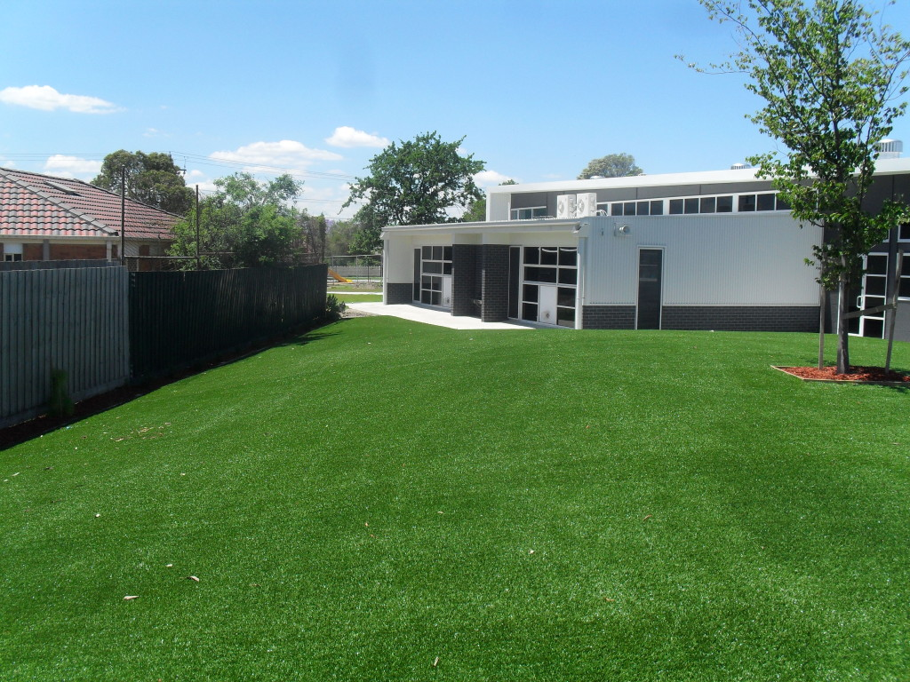 Synthetic Grass for Large Landscaping Projects