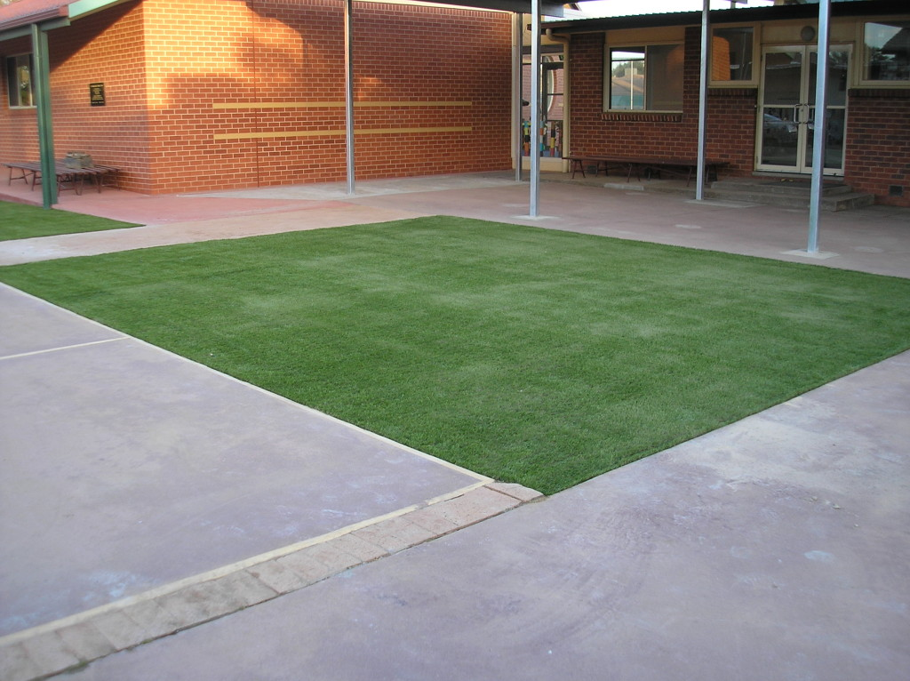 Synthetic Grass Adds A Touch of Green