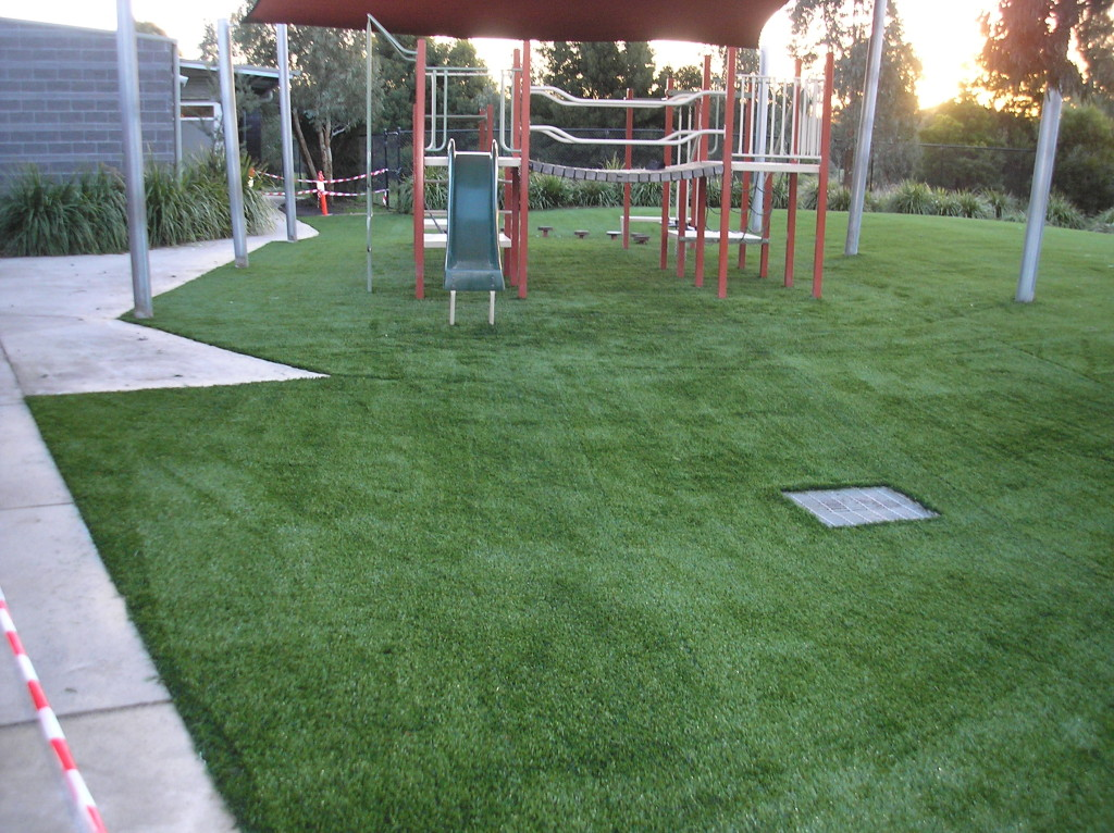 Synthetic Surfacing for Large Playgrounds