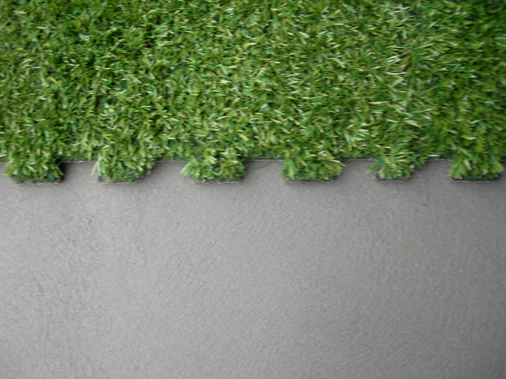 Gecko Interlocking Synthetic Grass Turf Tile